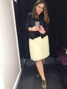 sort læder jakke leopard sko gul nederdel