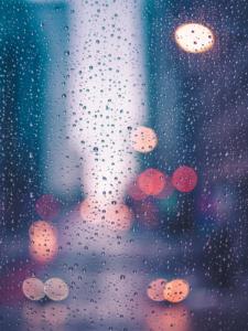 Read more about the article Dagdrømme om feriefarver på en regnfuld forårsdag …